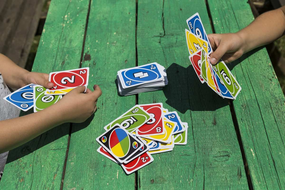 Karciana gra UNO dla dzieci
